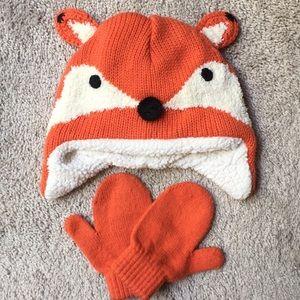 NWOT Fox winter hat w/ gloves for infants set